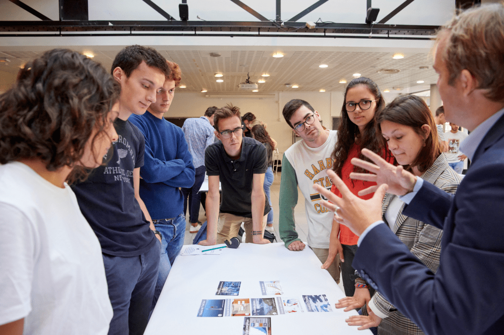Hands-on experiences at Bachelor in Management (BSc)